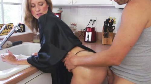 Femme mariée veut découvrir le sexe anal dans le 02
