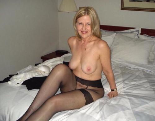 Femme mariée veut découvrir le sexe anal dans le 76
