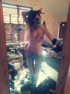 Jeune coquine nympho du 12 photo nue