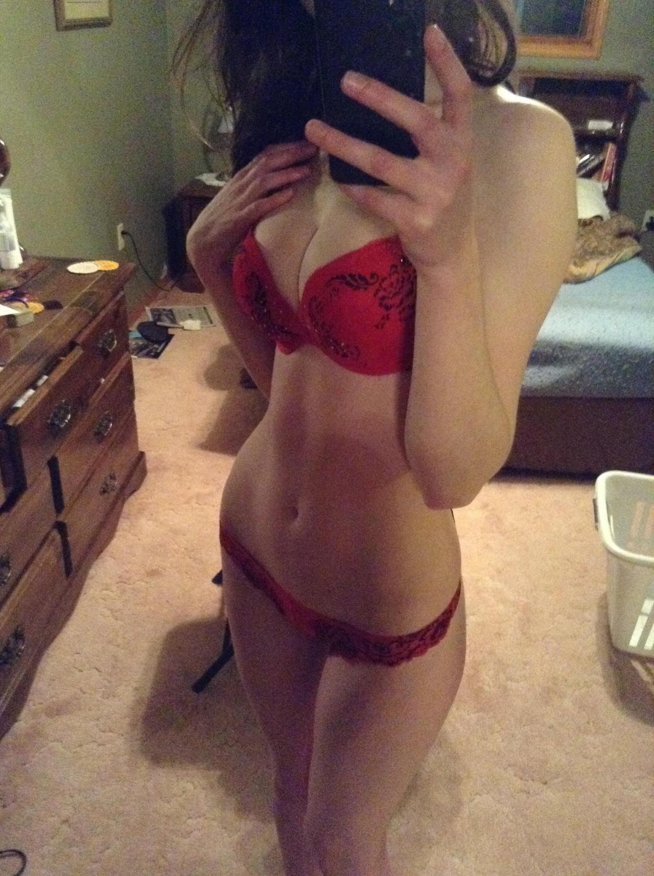 Jeune femme du 09 pour plan sexe infidèle