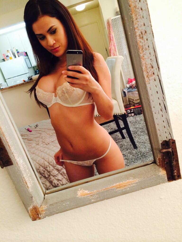Jeune maman salope du 22 qui recherche du sexe