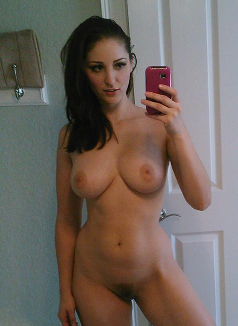 Mère de famille du 67 photo hot selfie