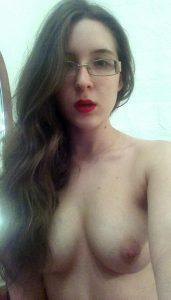 Photo de jeune coquine nue du 41