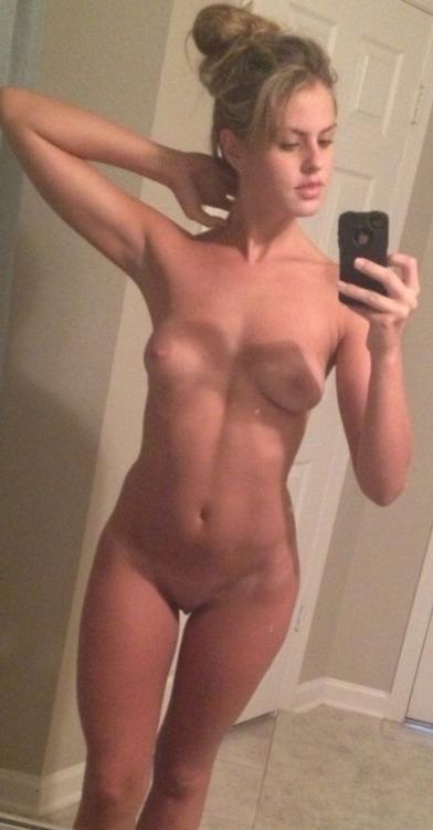 Jeune maman salope du 09 qui recherche du sexe